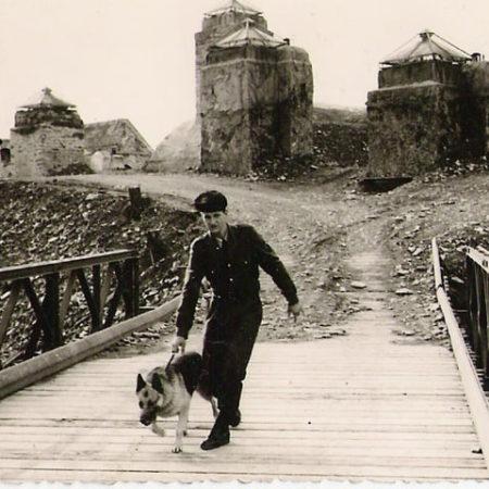 FORT AITON 1963 maitre chiens de TARBES et Ont BAILLEY