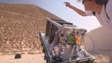 Installation of CEA telescopes outside the khufu pyramid
