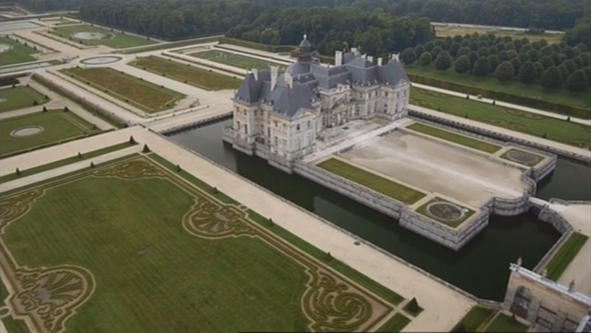 The gardens of andre le n tre a historical film lucky you for Garden design versailles