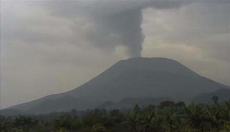 VOLCANO SLAYER Nyiragongo un volcan dans la ville 4