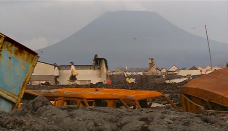 VOLCANO SLAYER Nyiragongo un volcan dans la ville 6